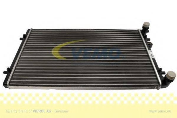 VEMO V15605022 Радиатор охлаждения двигателя